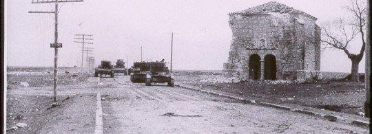 Tanques rusos junto a la ermita de la Soledad. Trijueque
