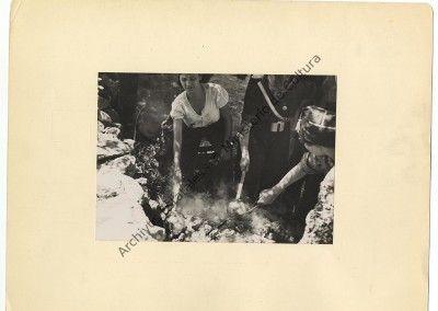 Milicianas preparando comida. Albero y Segovia 3