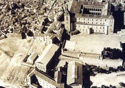 Vista Este del Alcazar de Toledo antes del asedio