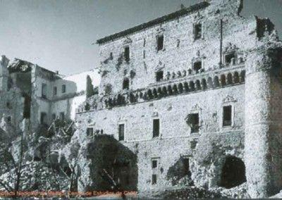 Fachada Este del Alcázar de Toledo después del asedio 2