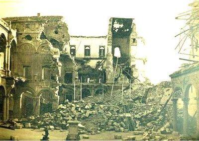 Interior del Alcázar de Toledo después del asedio