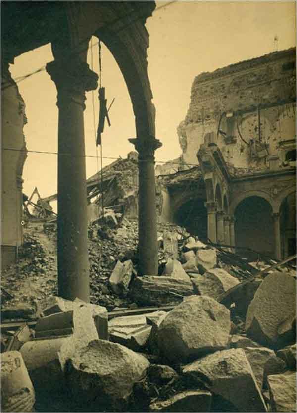 Interior NE del Alcázar de Toledo después del asedio 2