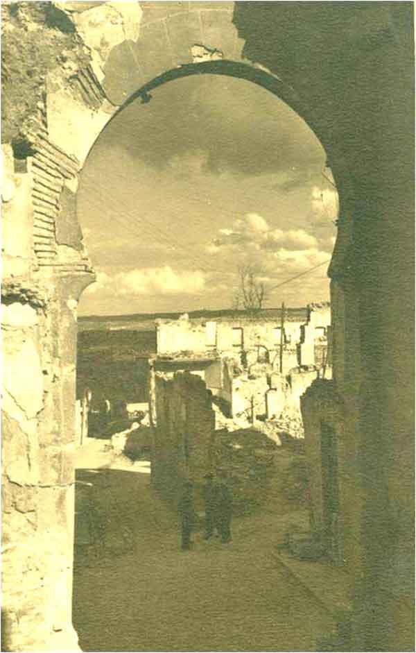 Arco de la Sangre después del asedio