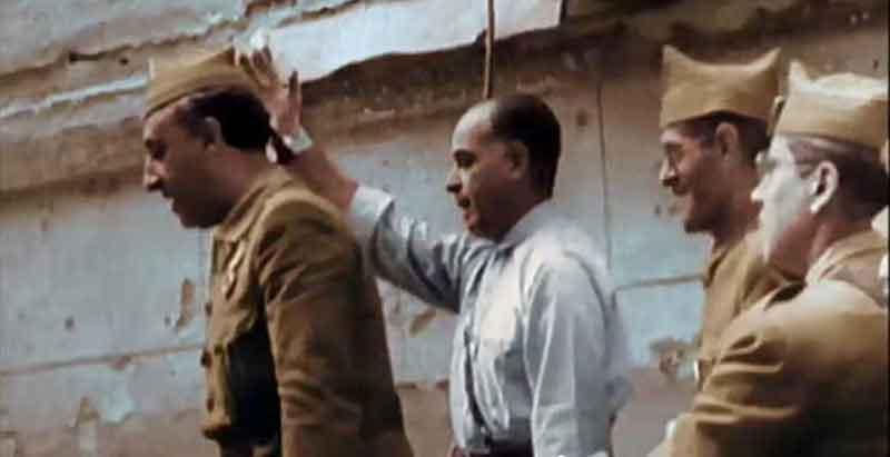 Generales Varela y Franco entrando en el Alcázar