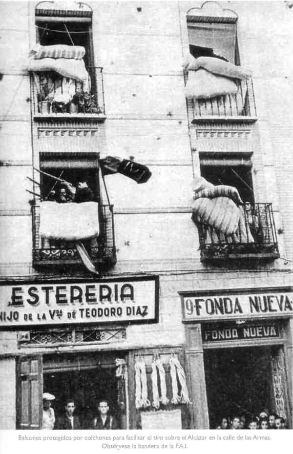 Balcones calle Armas hostal-Asedio Alcazar de Toledo
