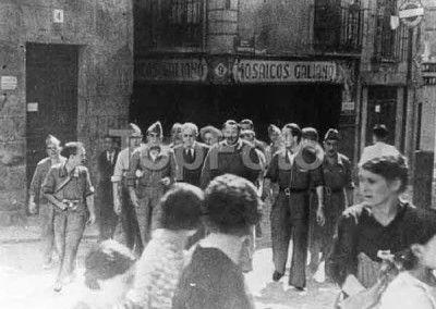 Luis Barceló y Vázquez Camarasa en la calle Ropería