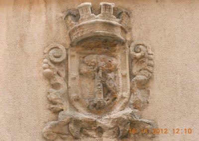 Escudo republicano más antiguo  de Madrid, calle Fúcar