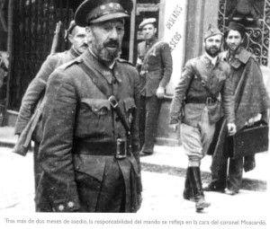 José Moscardo recién liberado el Alcázar de Toledo
