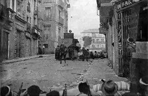 Tanqueta calle Armas bar Zorba-Asedio Alcazar de Toledo