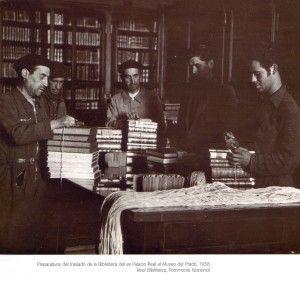 Traslado libros del Palacio Nacional a El Prado.1938