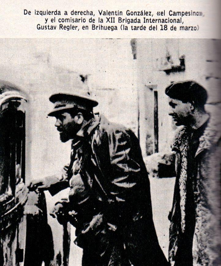 """Valentín González """"El Campesino"""" y el comisario político Gustav Regler"""