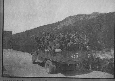 Camión ruso en el Puerto de Navacerrada. Ofensiva de la Granja.