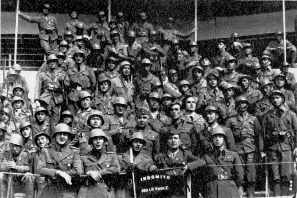 Oficiales de la bandera INDÓMITO